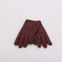 Pair of gloves for lady size 6 1/2
