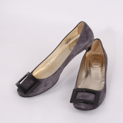 Pair of shoes size 35 1/2