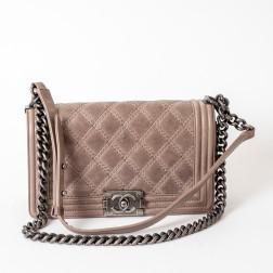 Chanel Boy shoulder bag in beige quilted aged leather
