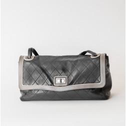 Handbag 2.55 Maxi Jumbo in black lambskin. Rare edition.