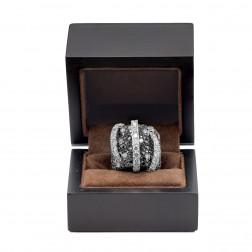 Superbe et imposante bague en or 18k et sertie de diamants