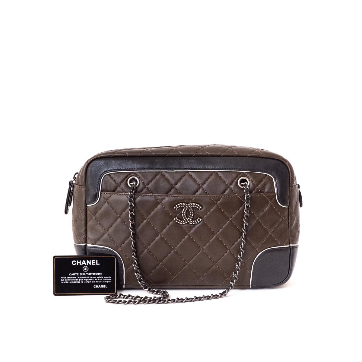 157c0e632c Chanel sac Shopping bicolore cuir matelassé et d'occasion.